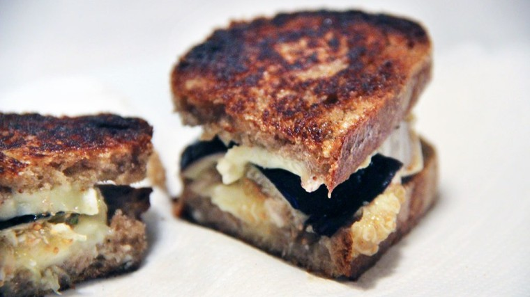 grilled-cheese-camembert-figue-1024x576